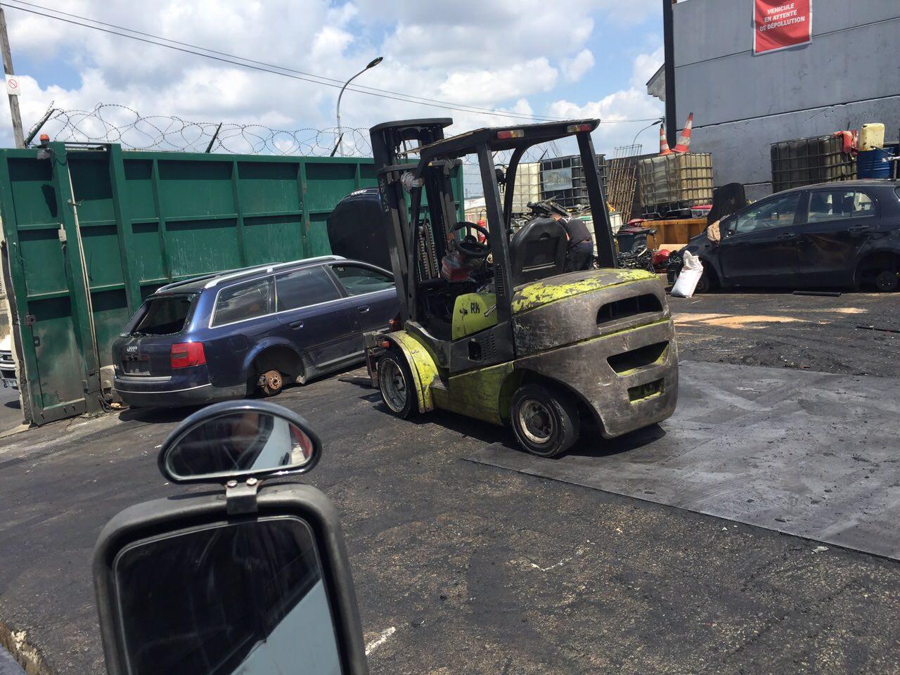 Destruction voiture en panne accidentee gagee hs montrouge for Reprise voiture en panne garage